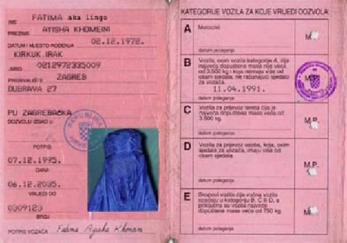 Headscarves on driver's licences
