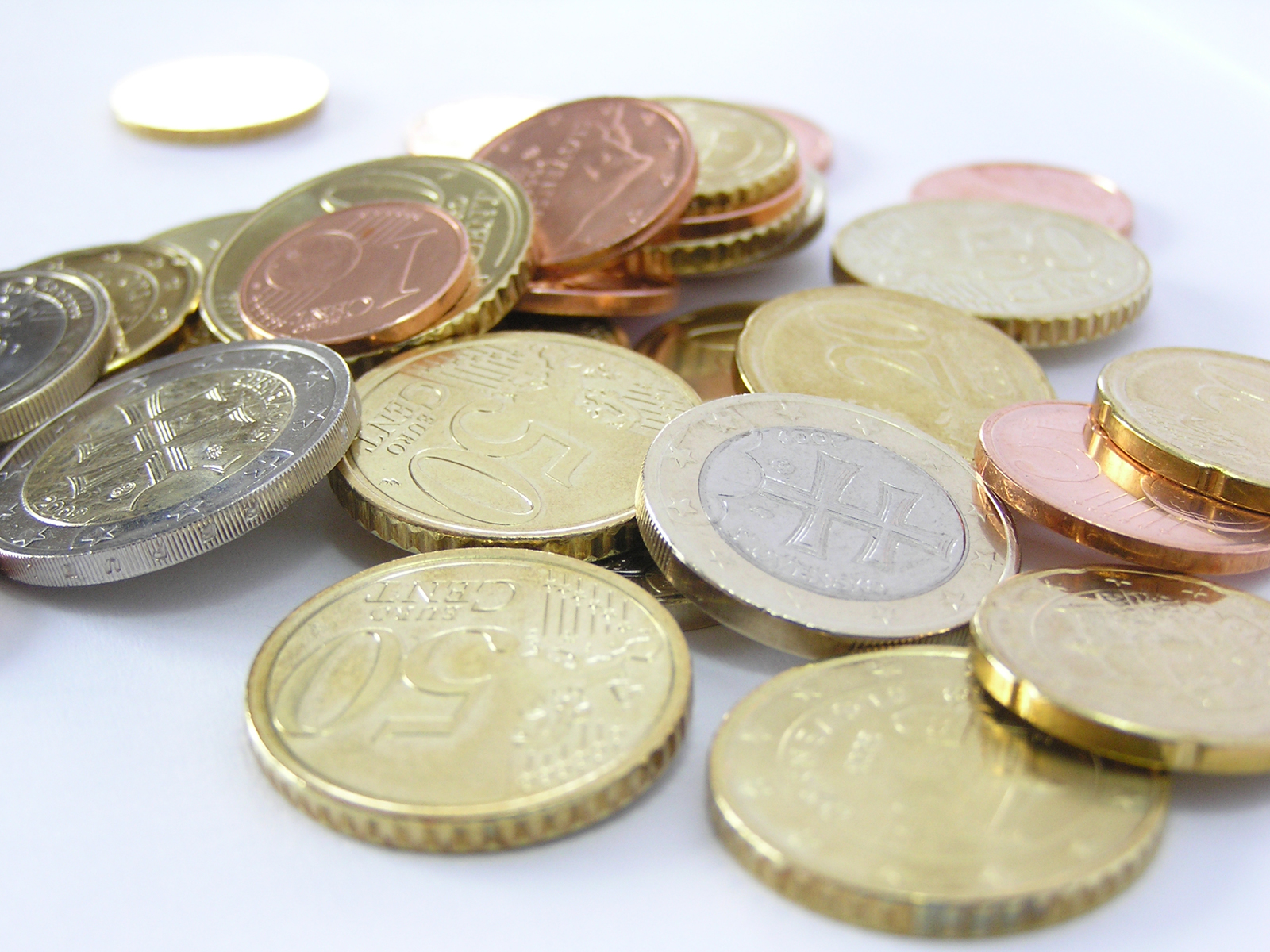 FDI in Bulgaria plummeted at start of 2013 – official