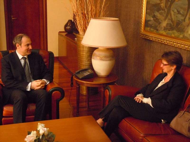 Foreign Minister meets French Ambassador, discusses upcoming elections