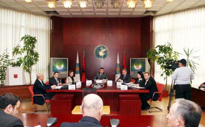 CEC starts the trainings, the chairman demands the cooperation of the parties for a fair process