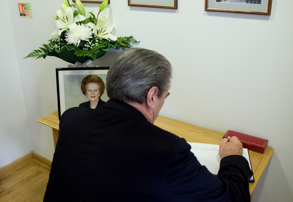 The Prime Minister expresses his condolences on Thatcher's passing to British Embassy