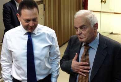 Troika talks stuck on overhaul of civil service