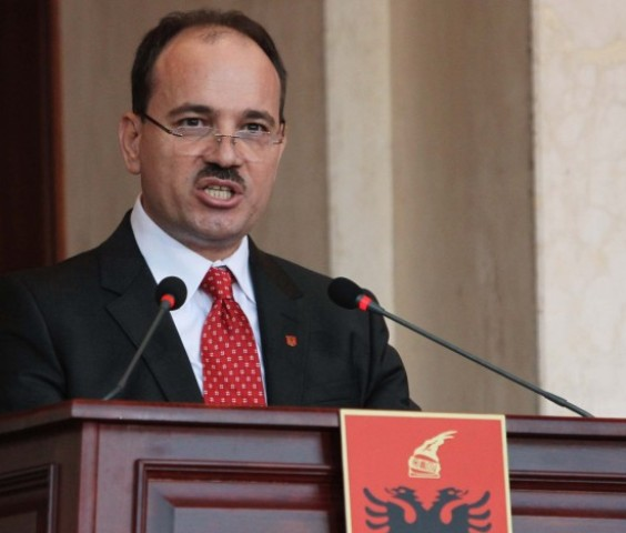 """The President of Albania decrees the holding date for the referendum on the Law for """"The integrated management of residue"""""""