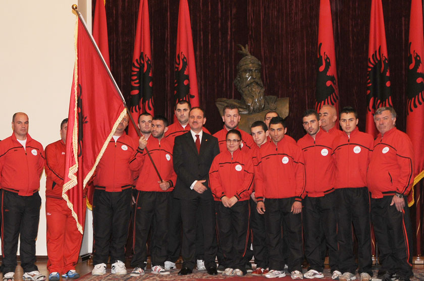 President bestowed the National Flag upon the National Team of Weight lifting