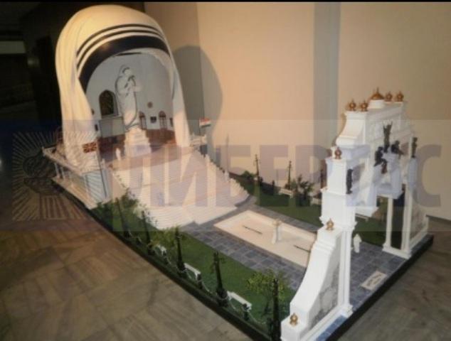 Pictures of Mother Teresa's statue in Skopje released