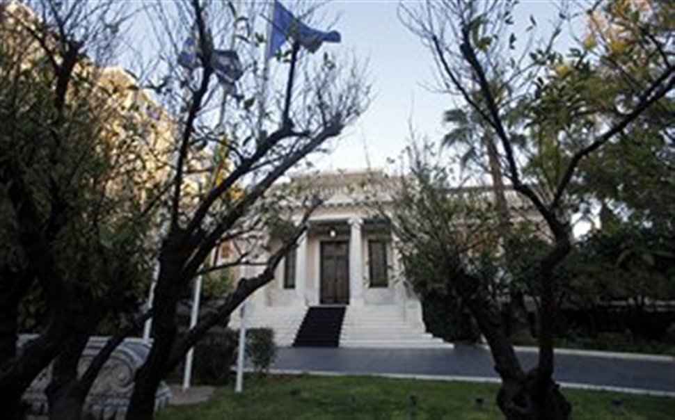 No case of new measures says Maximos Mansion