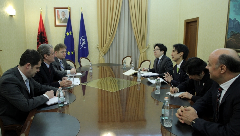 Prime Minister Berisha receives Japanese Vice-Minister for Foreign Affairs