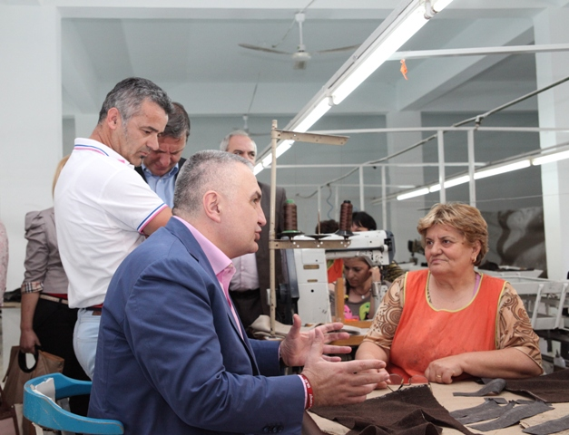 Leader of the SMI promises support for the textile industry