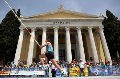 Otto records world-leading jump in pole vault in Athens