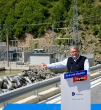 Premier Berisha accuses the opposition of threatening investments
