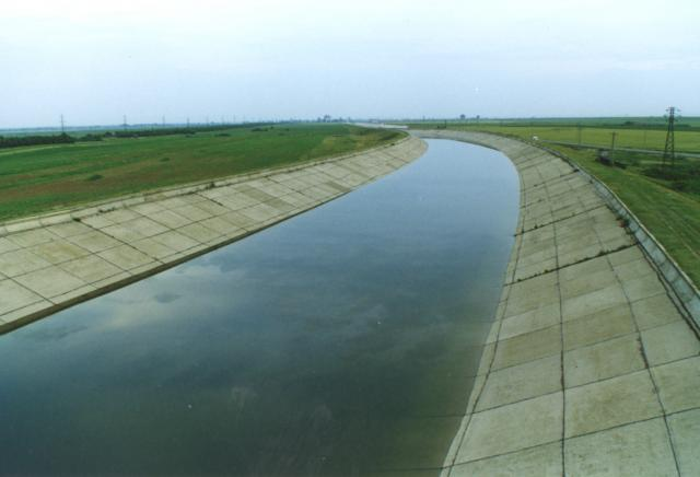 Romania wants to resume works at two major internal water canals