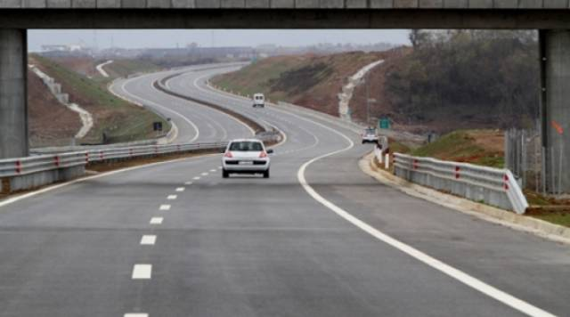 Prime Minister of Kosovo promises a highway in Mitrovitza ahead of the local government elections
