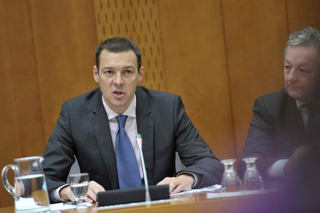 FinMin to Present Govt Plans to Eurogroup Monday