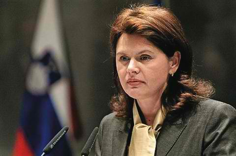 PM Bratušek Hosting Party Leaders for Fiscal Rule, Referendum Talks