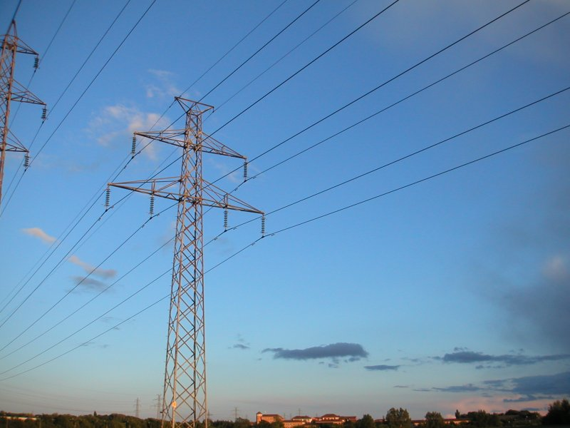 Electricity Market to Open in 2015