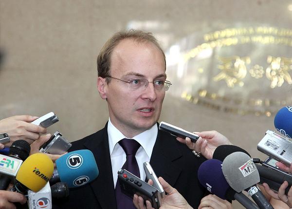 Miloshski demands the resignation of Minister for European Integration, Fatmir Besimi