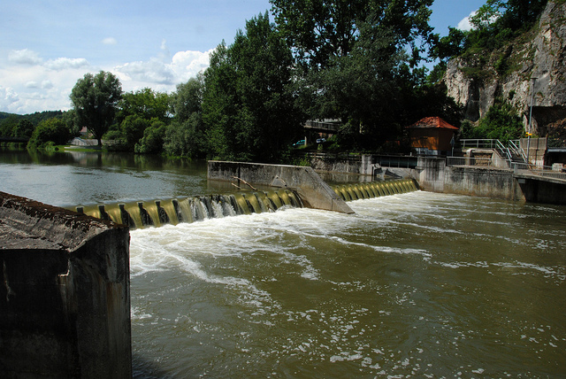 Romania, Bulgaria discuss hydro-power plant on Danube