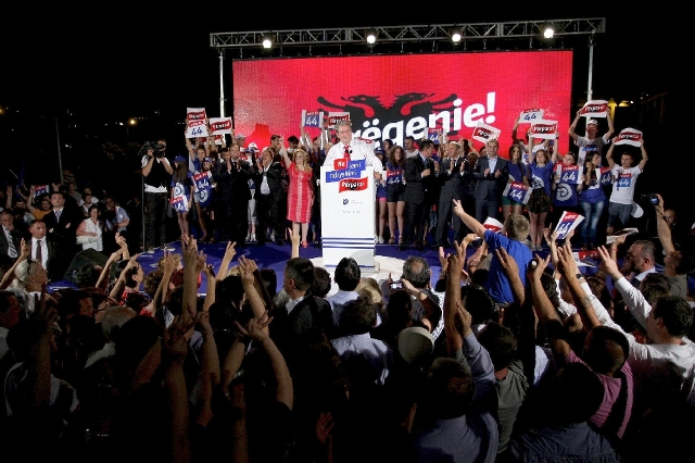 Premier Berisha invites voters of Durres to join the DP