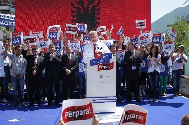 Premier Berisha meets voters in the constituency of Korce