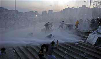 Police intervene at Istanbul's Taksim Square, enter Gezi Park