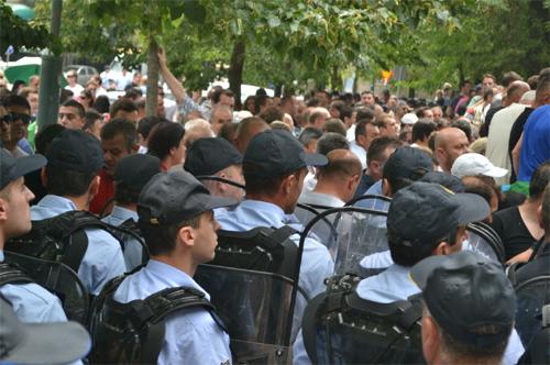 Incidents precipitate during a protest in Skopje