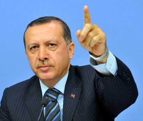 Erdogan: I am accountable only to Allah, not looters.