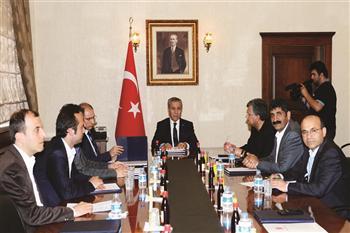 Occupy Taksim talks start before Turkish PM Erdoğan returns