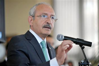 Main opposition leader meets President Gül, shares worries over recent protests