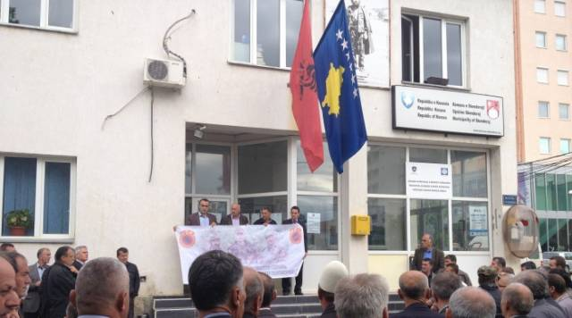 A protest takes place asking the release of the mayor of Skenderaj