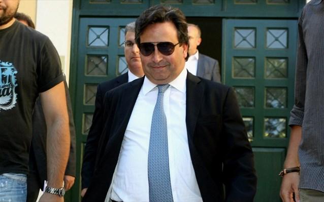 Greek shipowner Restis held in custody on money laundering charges