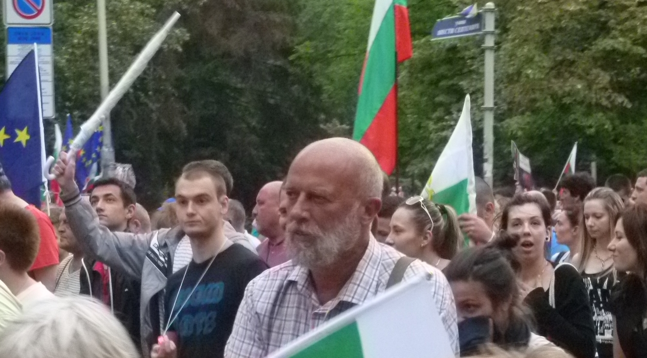 Bulgarian poet Sugarev refuses to end anti-government hunger strike