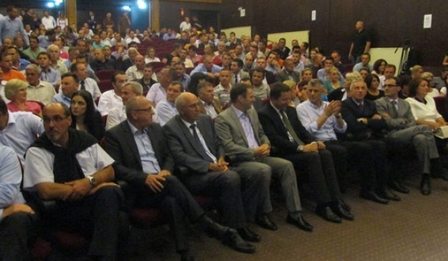 Prime Minister Thaci promises the creation of new communes