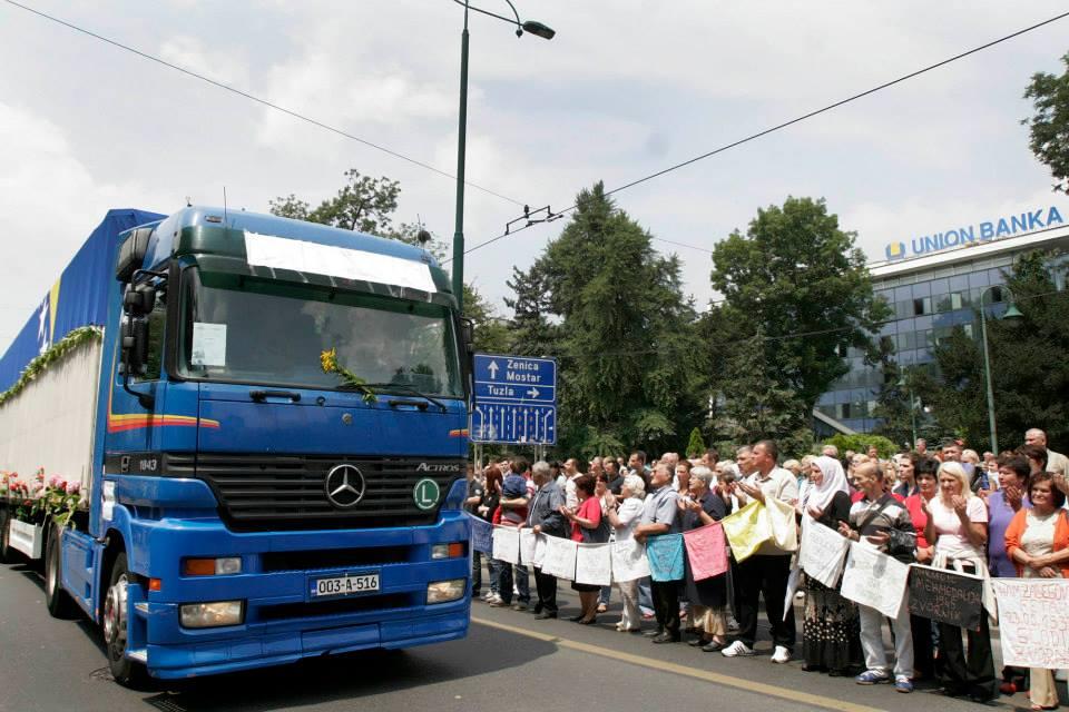 Sad Procession from Visoko to Potočari