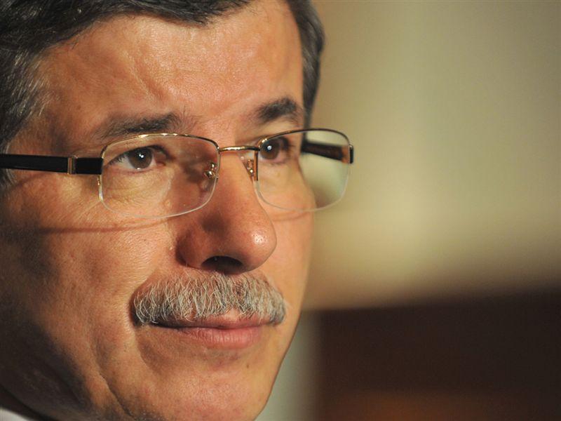 Davutoğlu condemns atrocities in Cairo