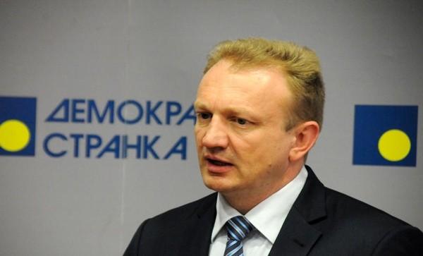 Sacked Belgrade mayor complains on dictatorship