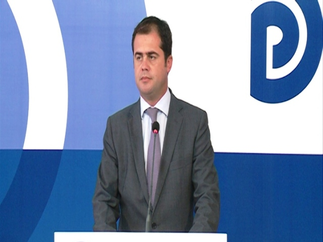 Opposition: Rama should stop his campaign against public administration