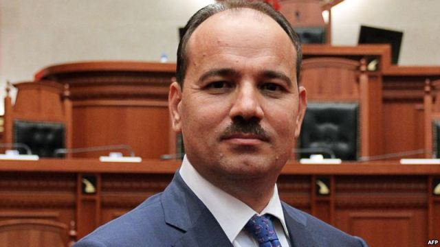President Nishani: The removal of the photo is unprecedented
