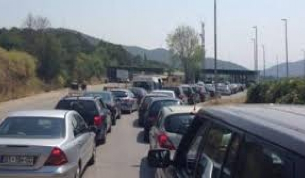 36 lorries cross the border to FYROM, Kuci cancels his visit to Skopje