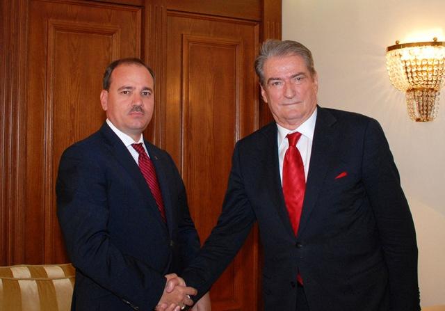 Premier Berisha hands over his resignation to the President of Republic