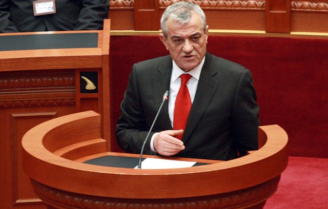 Gramoz Ruçi is reconfirmed as chairman of the socialist parliamentary group