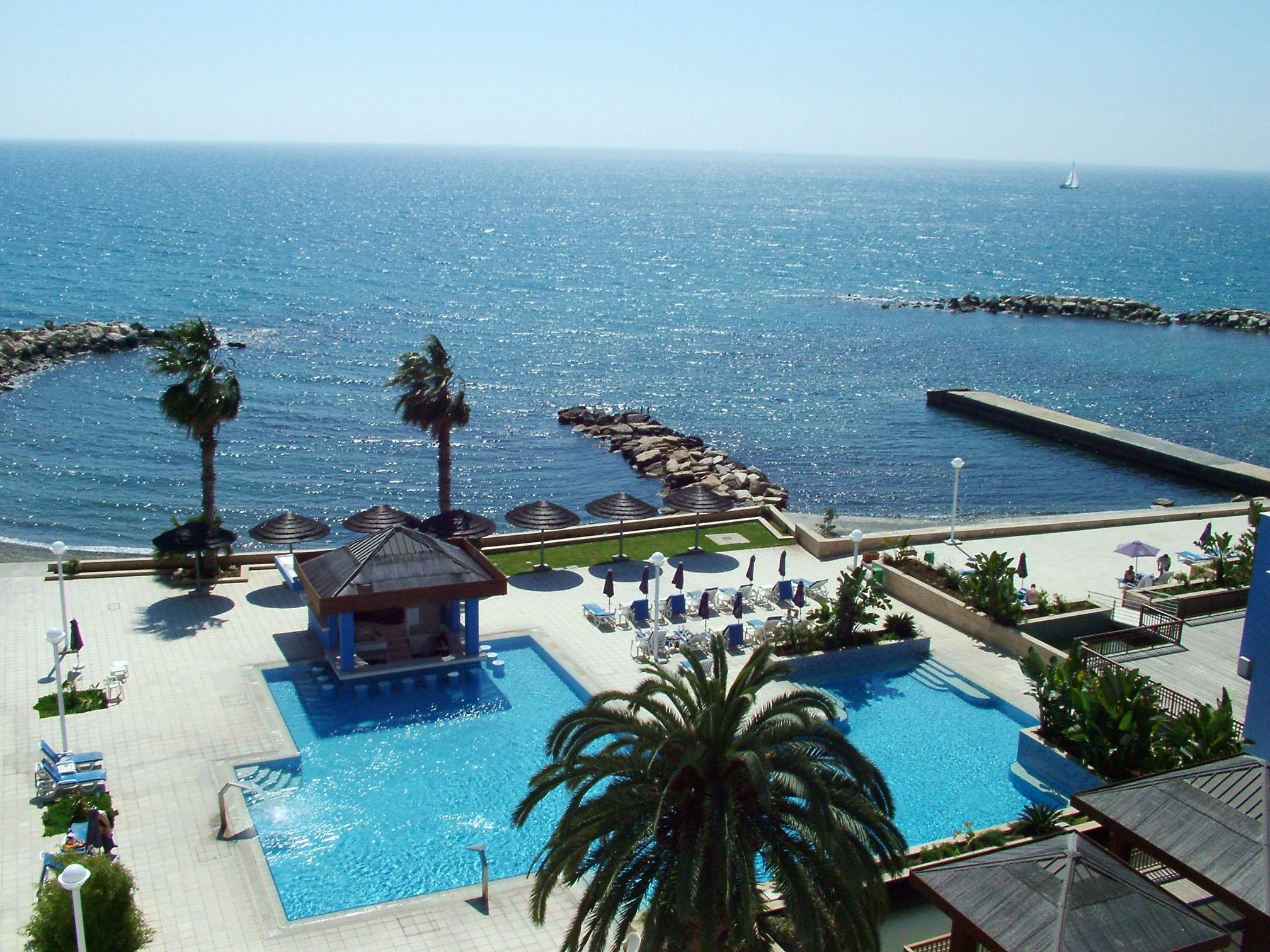 "ABTA: ""Cyprus is safe for British tourists"""