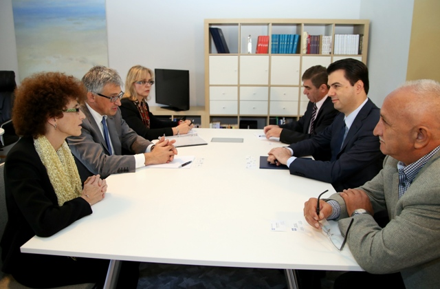 Head of the opposition receives World Bank representatives: Changes in the budget break the law