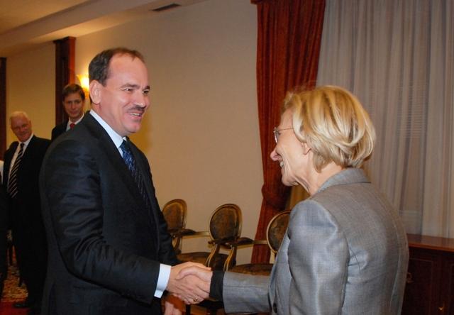 Nishani-Bonino: Persuaded that Albania will be granted the EU candidate status based on merit
