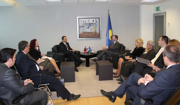 Albanian General Attorney meets with the Justice Minister of Kosovo