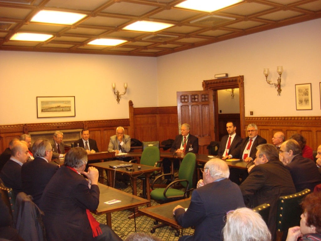 "Greek and Turkish Cypriots hail ""historic"" meeting with British parliamentarians"
