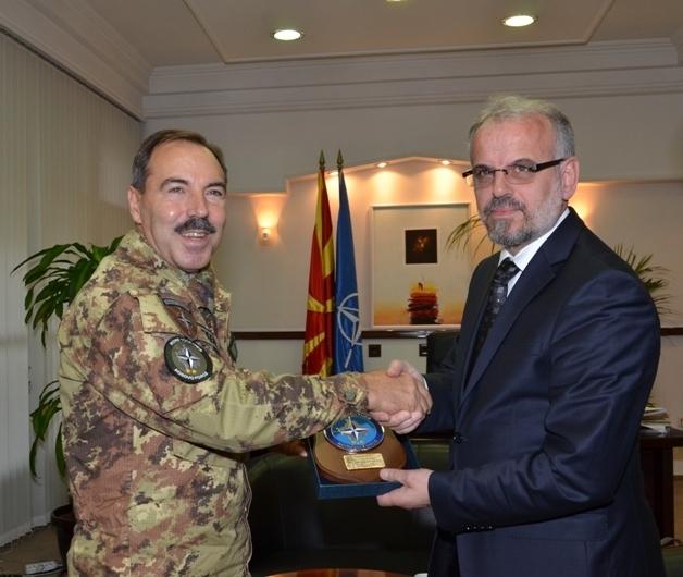 KFOR commander holds a visit to Skopje