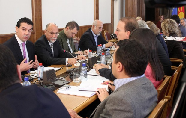 Minister of Foreign Affairs reports on the issues of the name dispute, neighboring countries and European integration