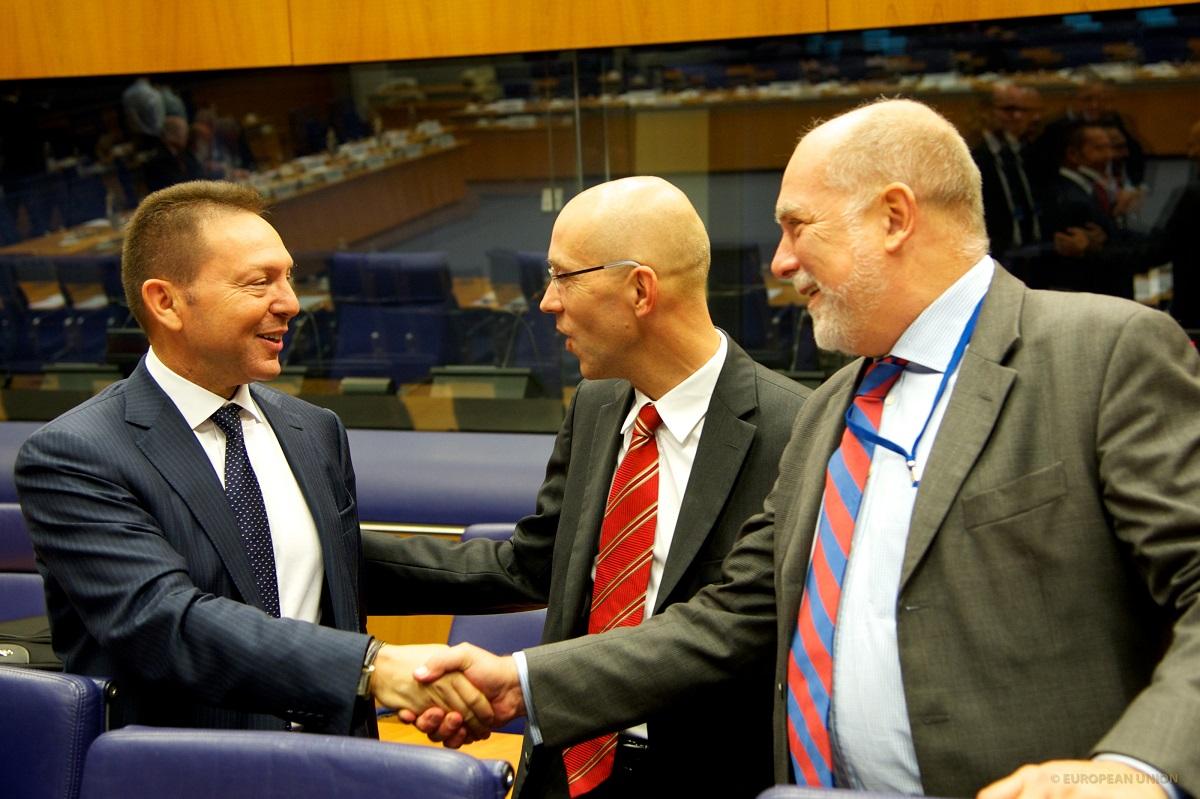 Greek Fin Min takes key achievement to Eurogroup crunch talks