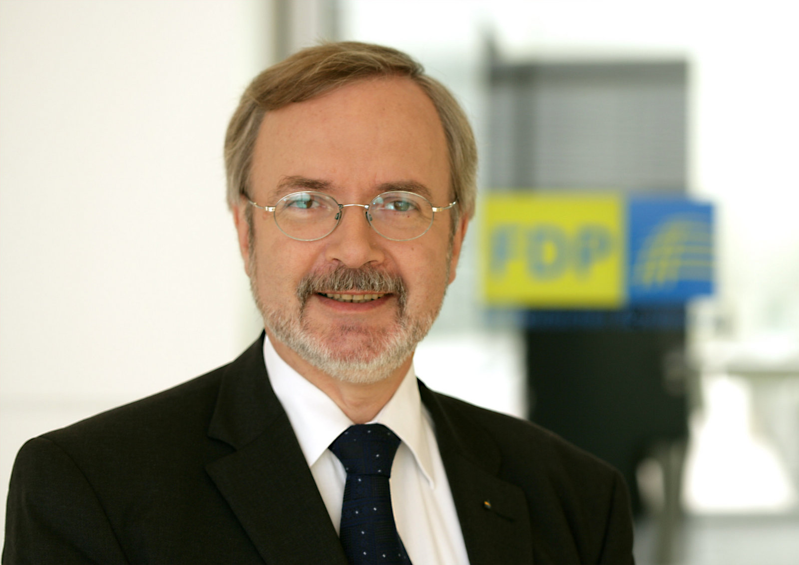 EIB President visits Nicosia
