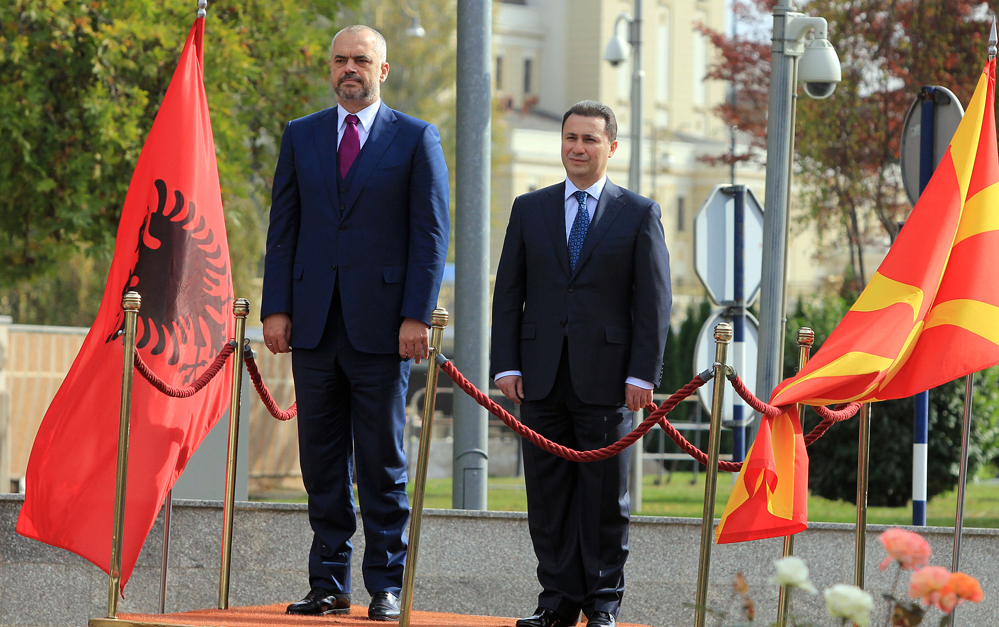 Albanian PM Rama received by PM Gruevski: Committed to advance relations between the two countries